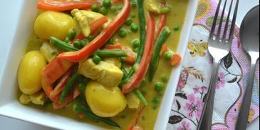 Maaltijdcurry met aardappel, kip en groenten