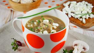 Гъбена супа с варени яйца