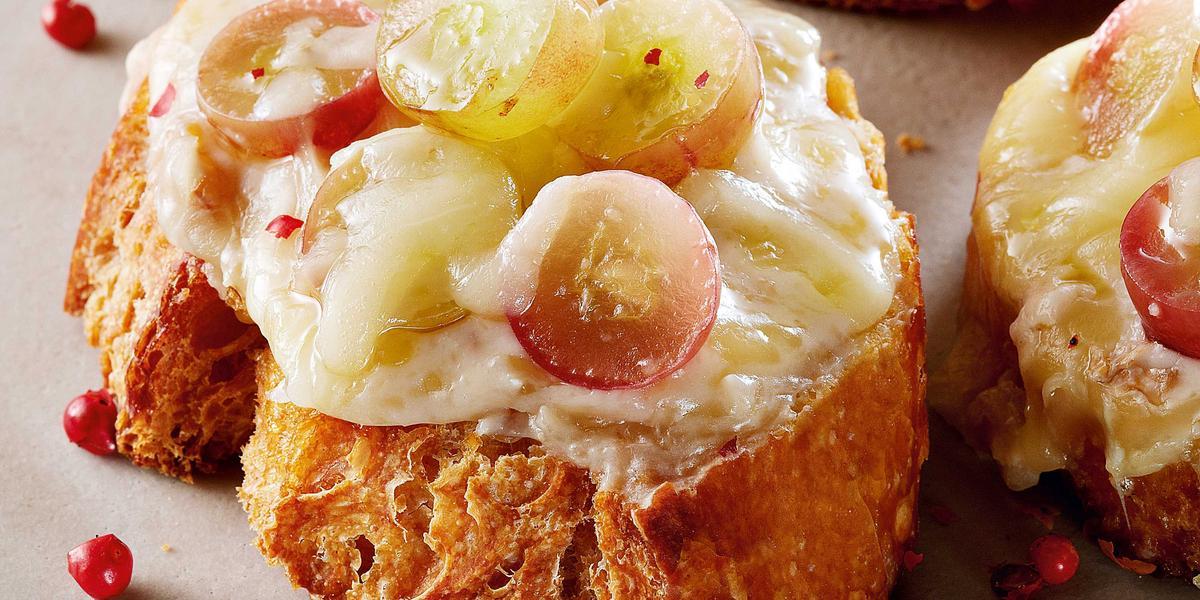 bruschetta-queijo-brie-uva-receitas-nestle