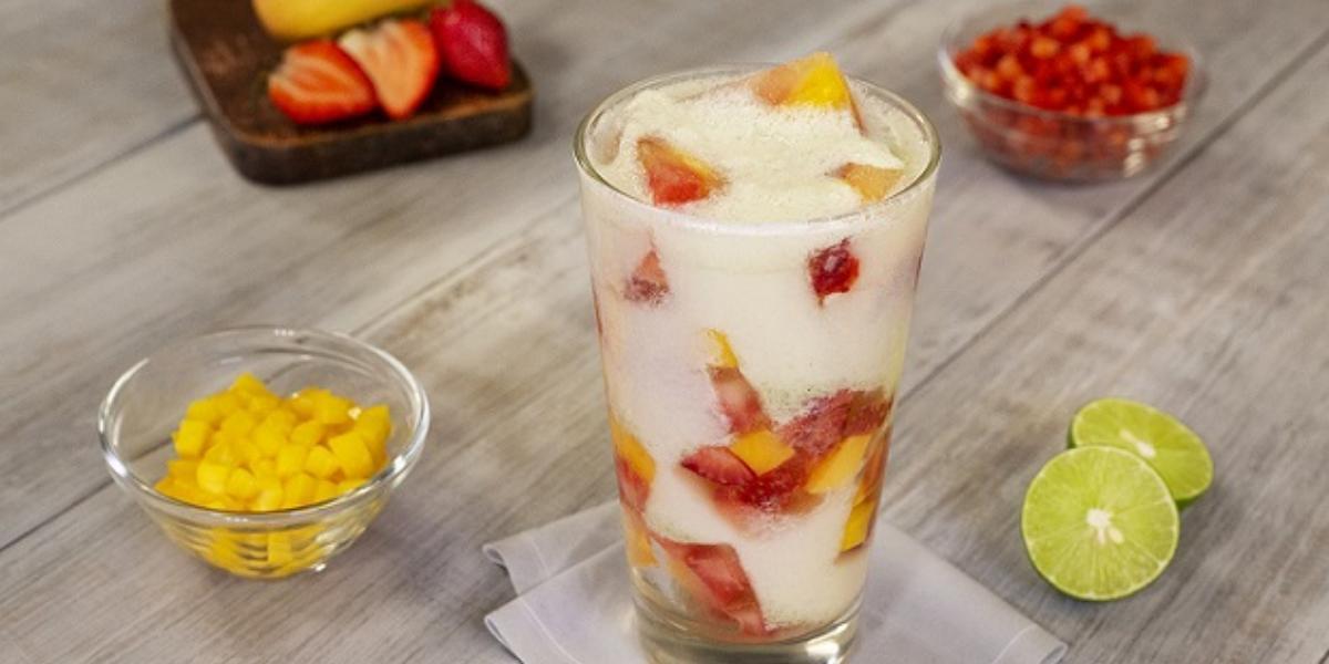 Limonada brasileña con frutas