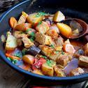 Свинско със зеленчуци на тиган