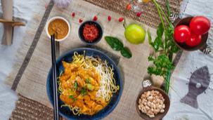 Noodles cu pui si curry