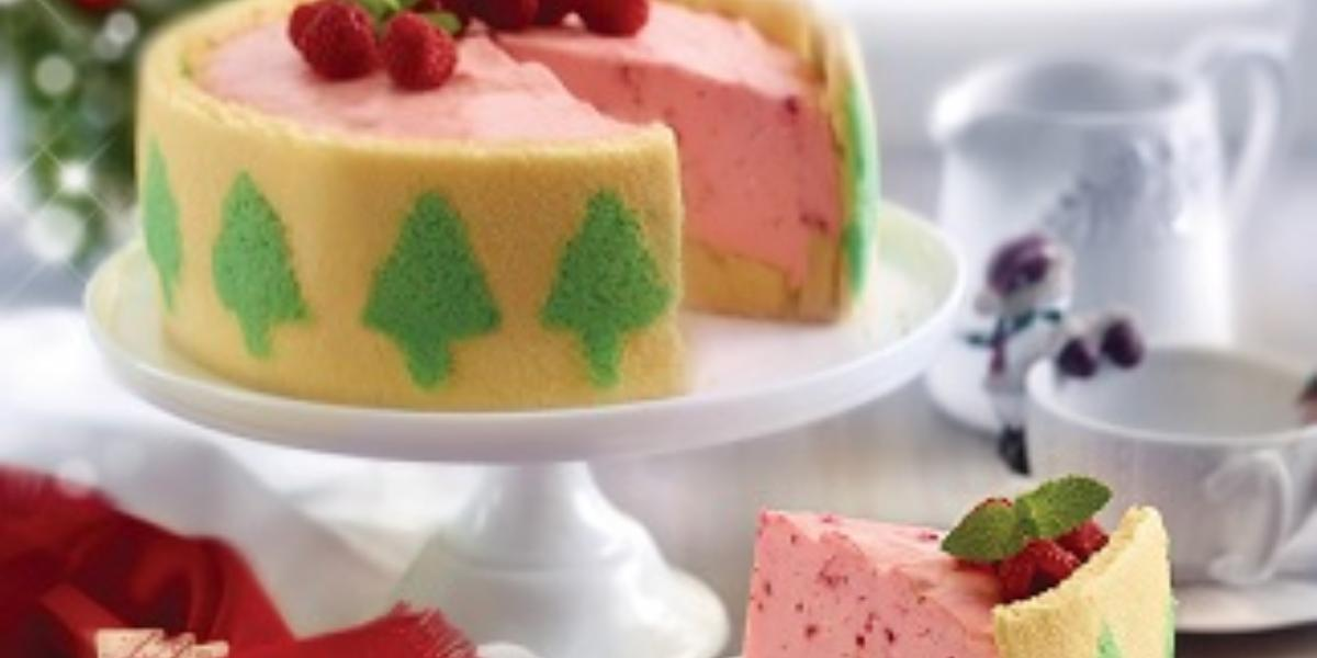 pastel pino con relleno de frambuesa