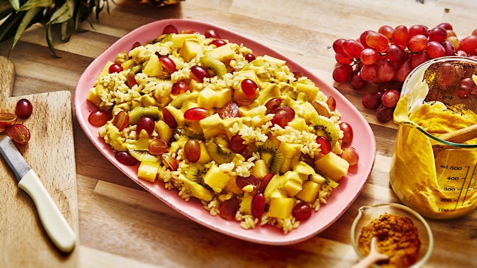 Reissalat mit Früchten