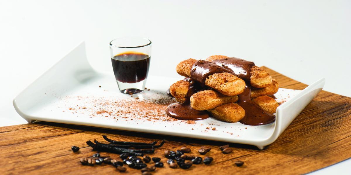 Pavé de Vainilla con Crema de Chocolate