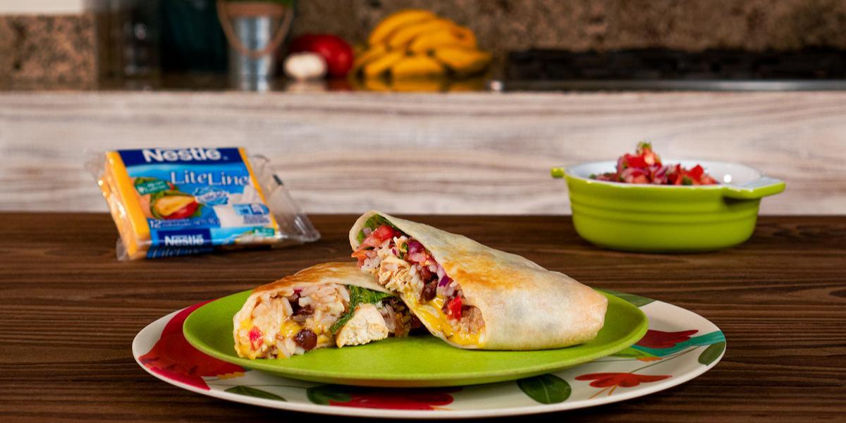 Burrito con arroz, carne y frijoles