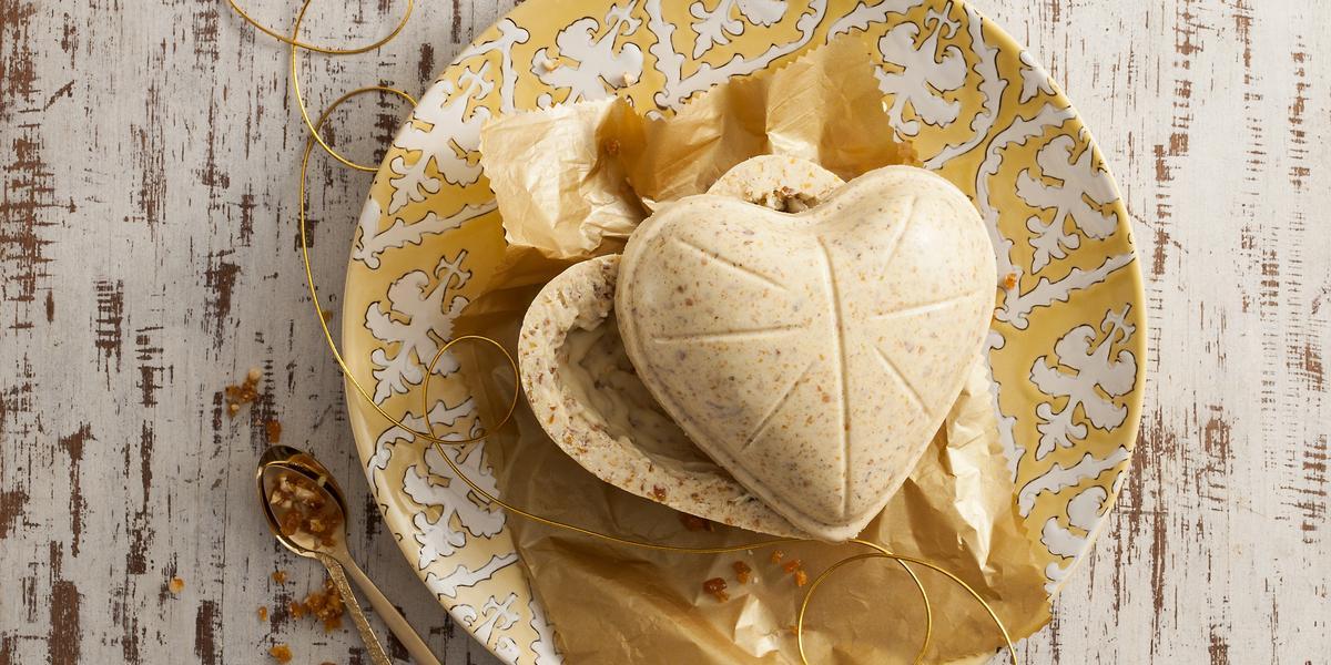 Ovo-Branco-com-Crocante-de-Amêndoas-e-Erva-doce_receitas-Nestlé