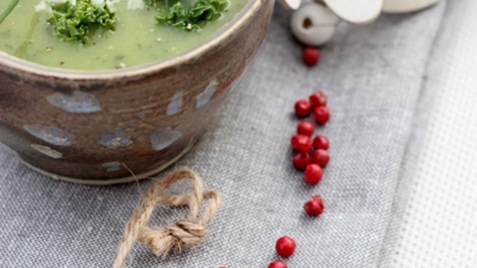 Lekka zielona zupa z jarmużem