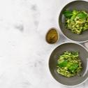 Noodles din zucchini cu usturoi si parmezan