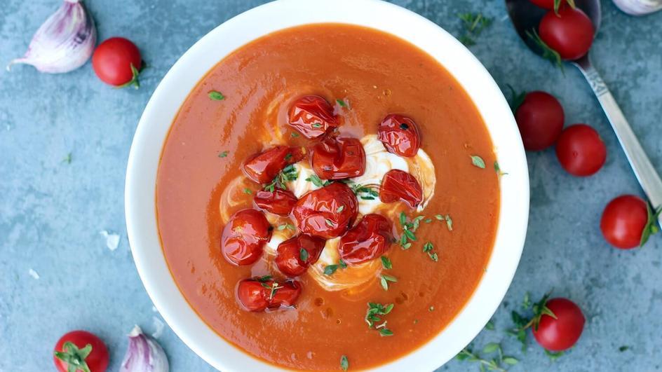 Zupa krem ze świeżych pomidorów i papryki