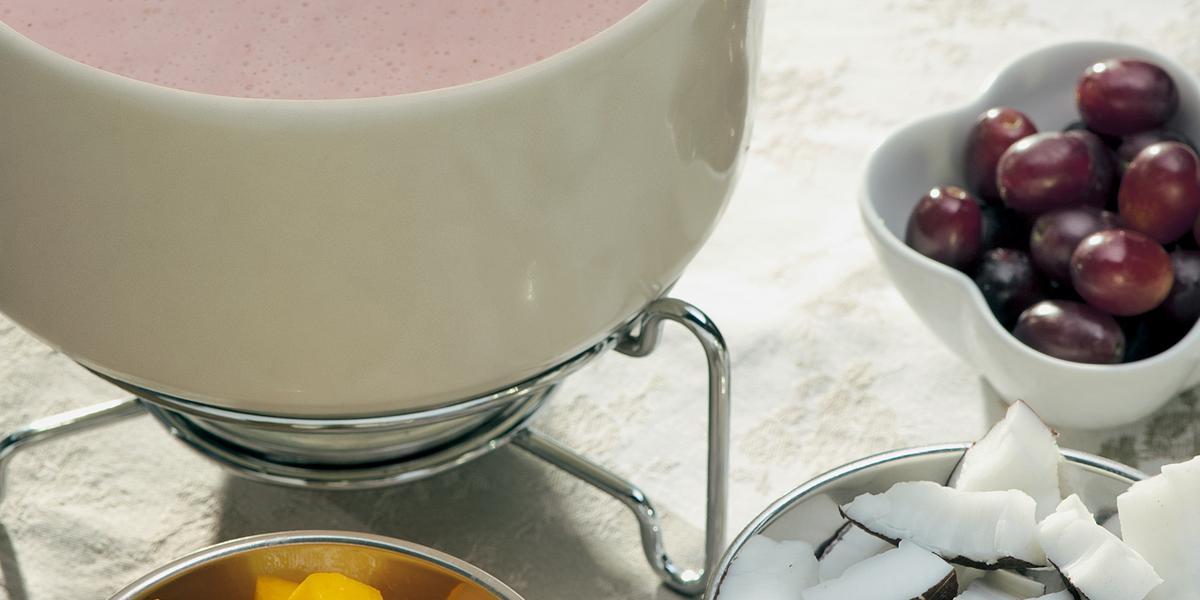 fondue-leve-morangos-receitas-nestle