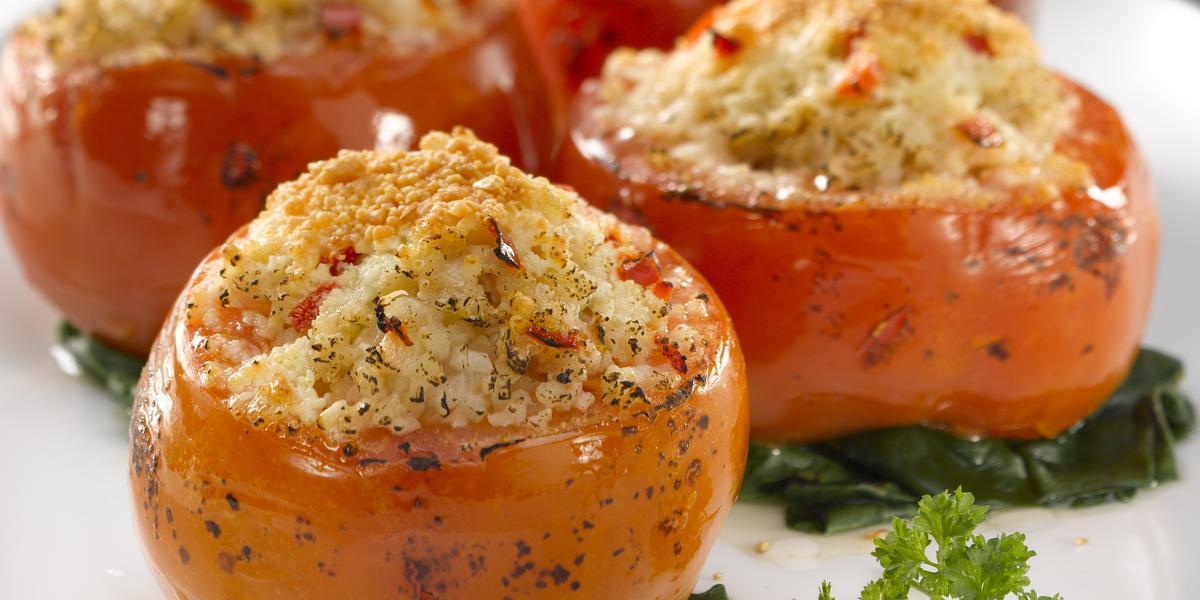 Tomates rellenos con Carne Vegetal