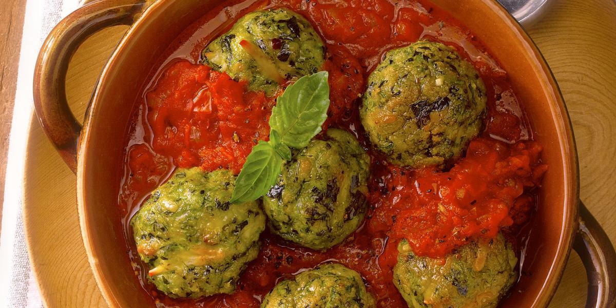 Albondiga de Zapallo Italiano En Salsa de Tomate