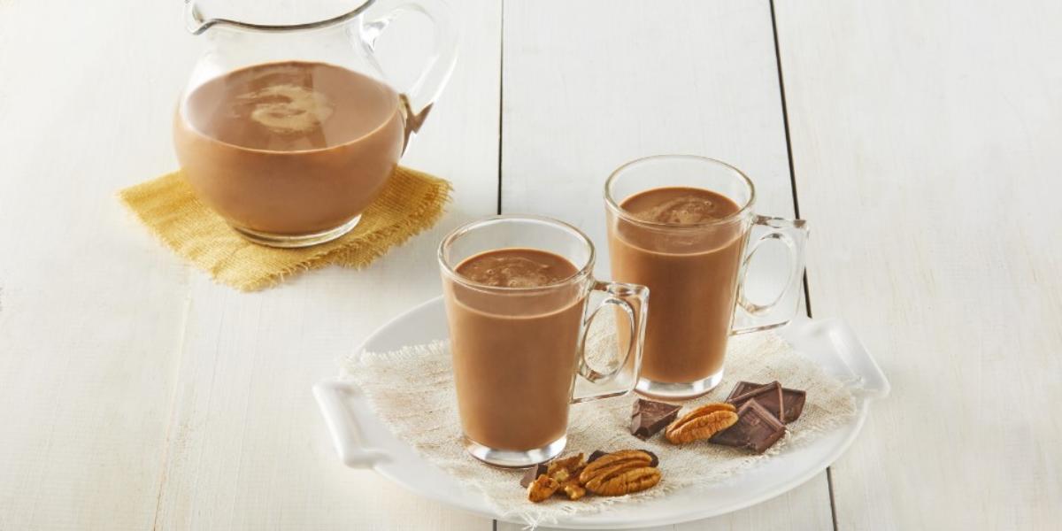 Atole de chocolate con nuez
