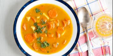Zupa marchewkowa z pomarańczą