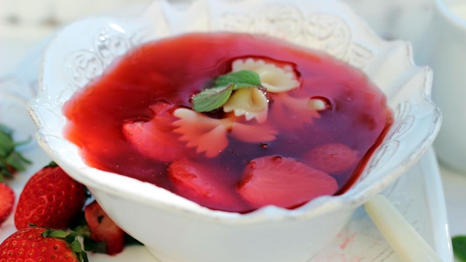 Zupa truskawkowa z kisielem – chłodnik z truskawkami
