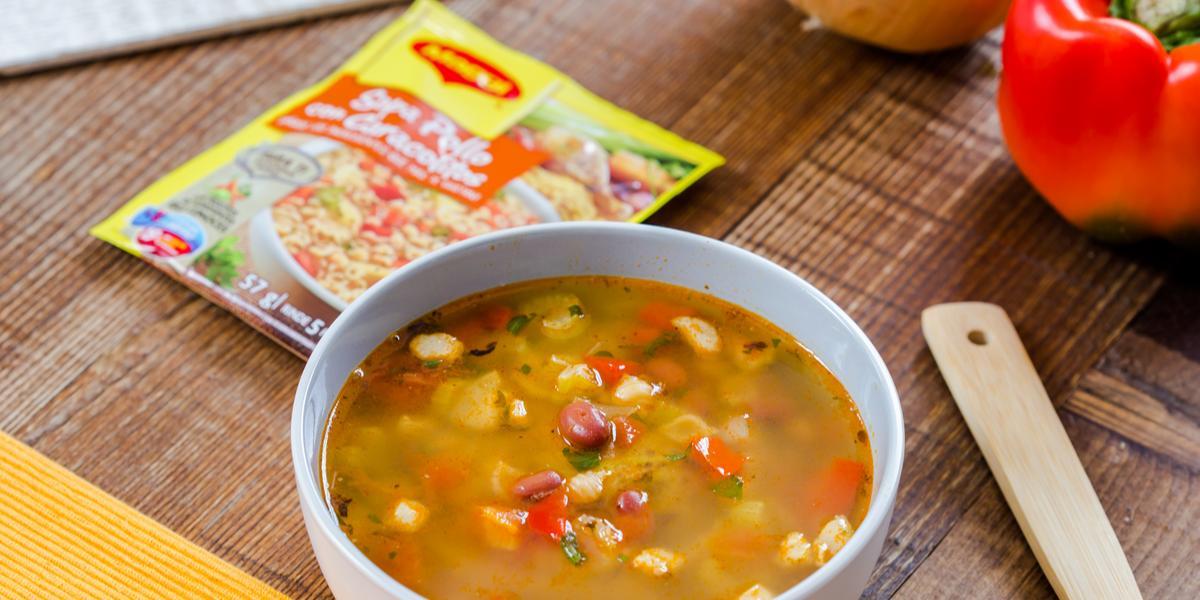 Sopa de Minestrone con Caracolitos