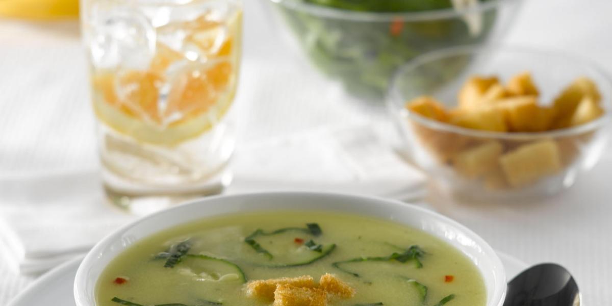 Sopa de Pollo con Sémola a la Verdi