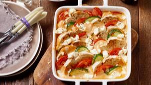 Brotauflauf mit Zucchini und Feta