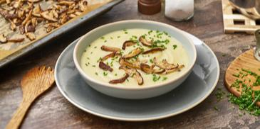 Blumenkohl-Sellerie-Süppchen mit Pilzen (vegan)