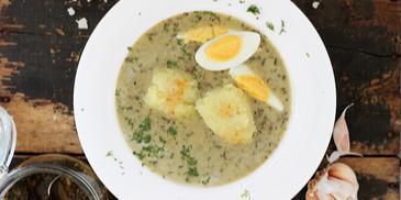 Zupa szczawiowa na rosole z jajkiem i ziemniakami