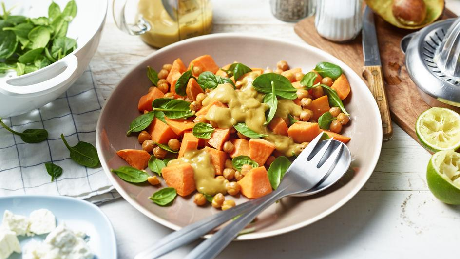 Süßkartoffel-Spinat-Salat