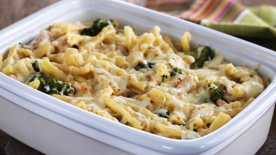 Fettuccini with Chicken and Broccoli Gratin
