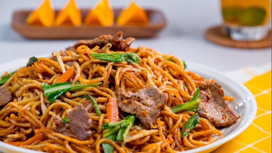 Noodles cu vita in stil thailandez