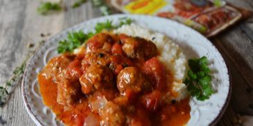 Сочни кюфтенца с доматен сос