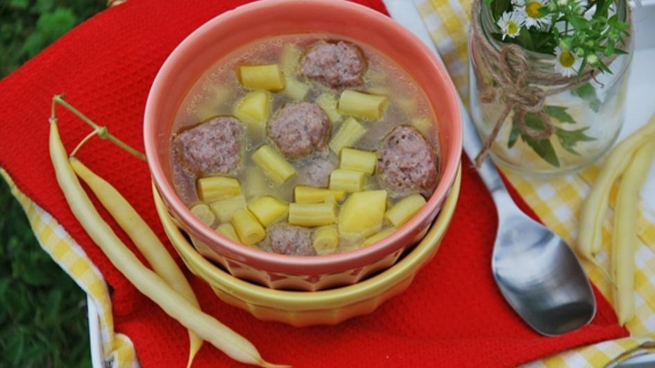 Zupa z fasolką szparagową i pulpecikami