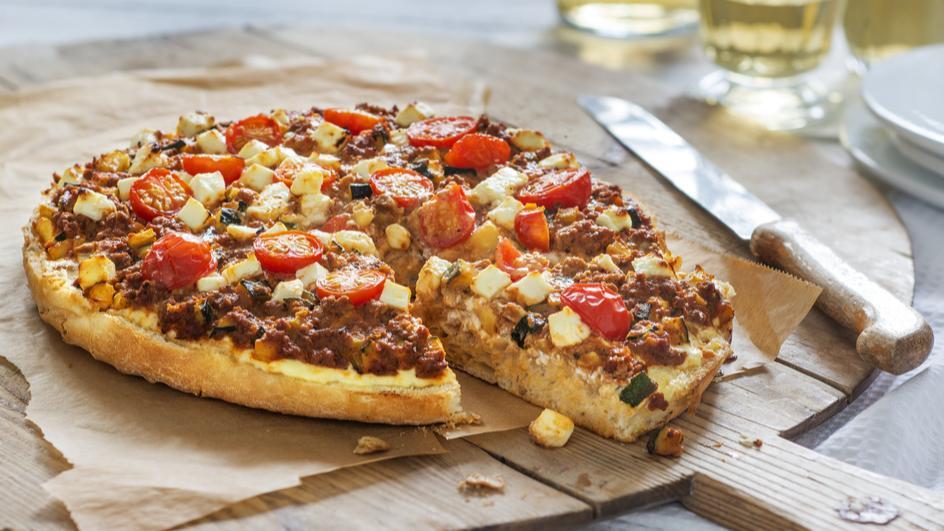 Fladenbrotpizza mit Veggie Hack und Gemüse