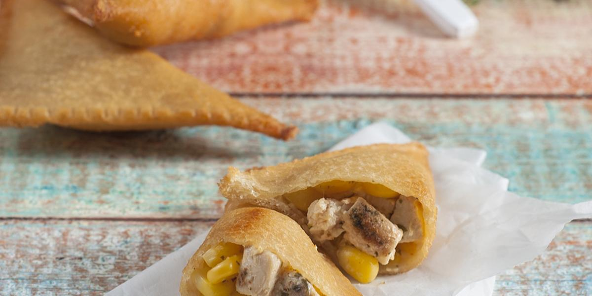 Empanaditas Faciles de Pan de Molde Rellenas con Pollo Jugoso y Choclo a la Crema