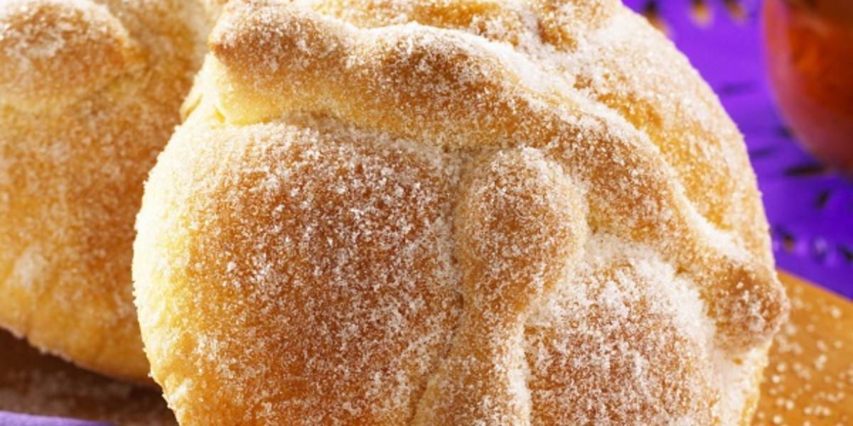 Pan de muerto con azahar