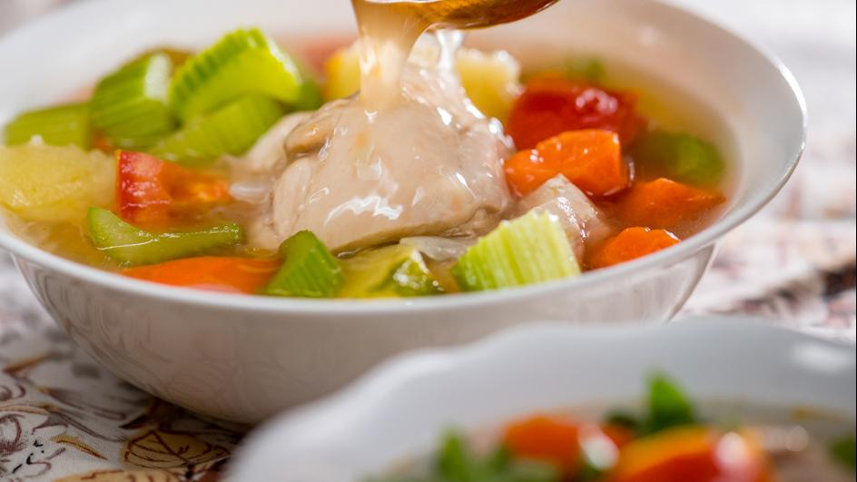 Sup Ayam bersama Stok Ayam Pekat MAGGI