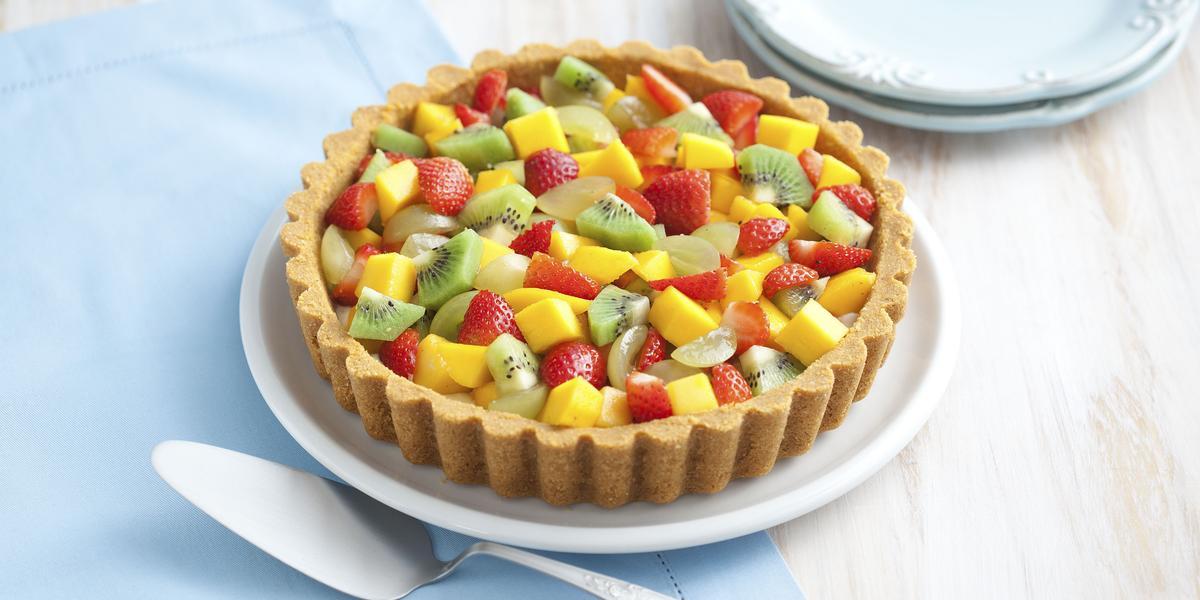 torta-moca-flakes-mix-frutas-receitas-nestle