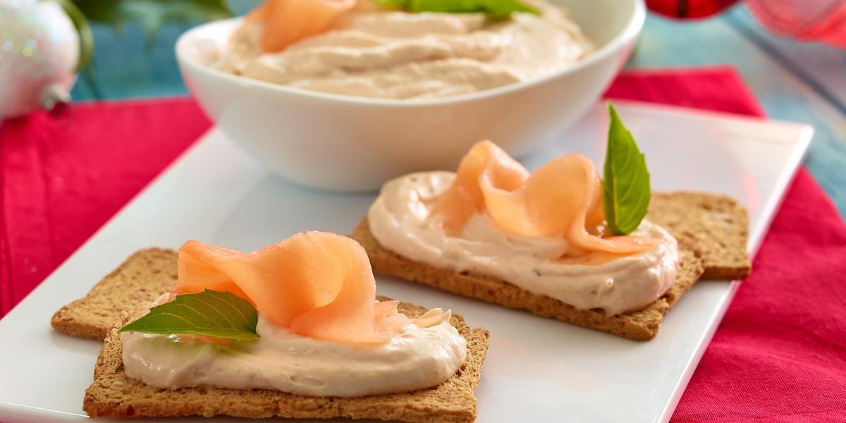 Dip cremoso de salmón y hierbas finas