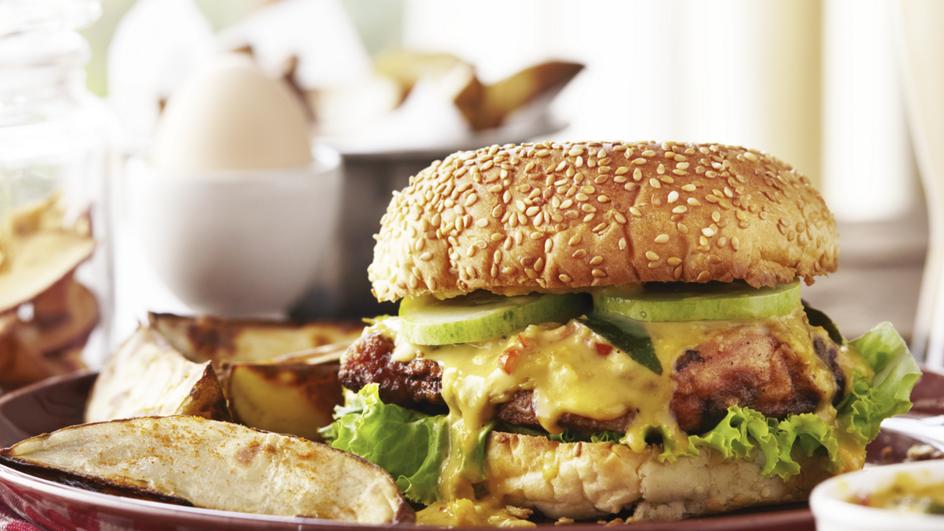 Burger Ayam Telur Masin