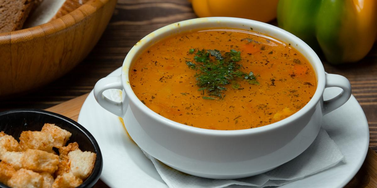 receta-facil-rapida-familiar-sopa-de-lentejas-rojas-nestle-venezuela