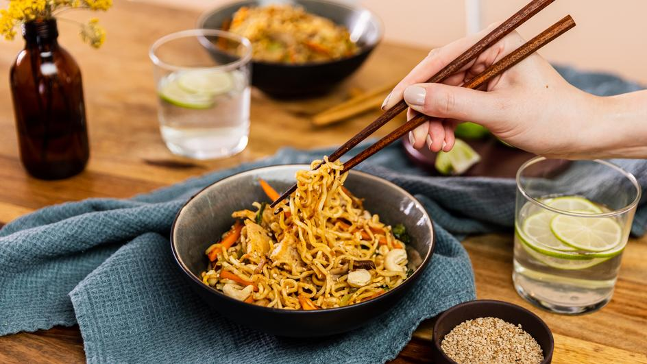 Chicken Stir-Fry mit Mie-Nudeln