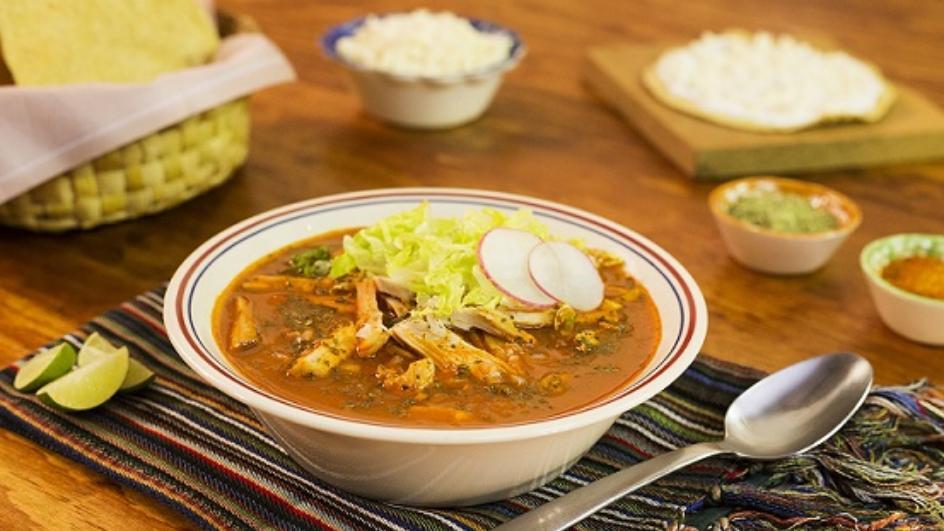 Meksykańska zupa z wieprzowiną i białą kukurydzą