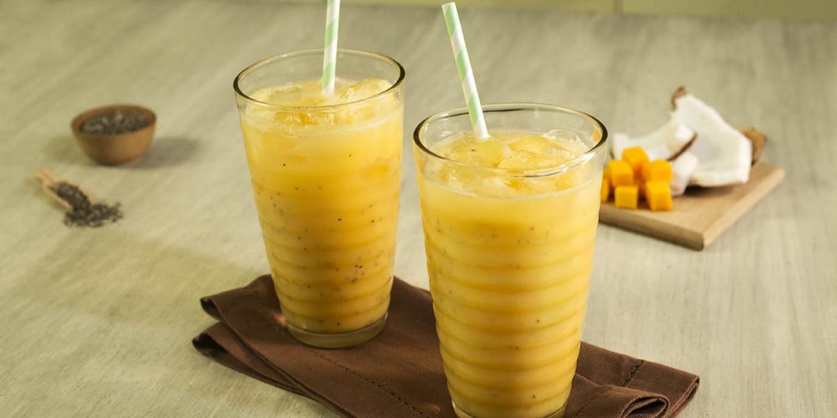Agua de mango, coco y chía