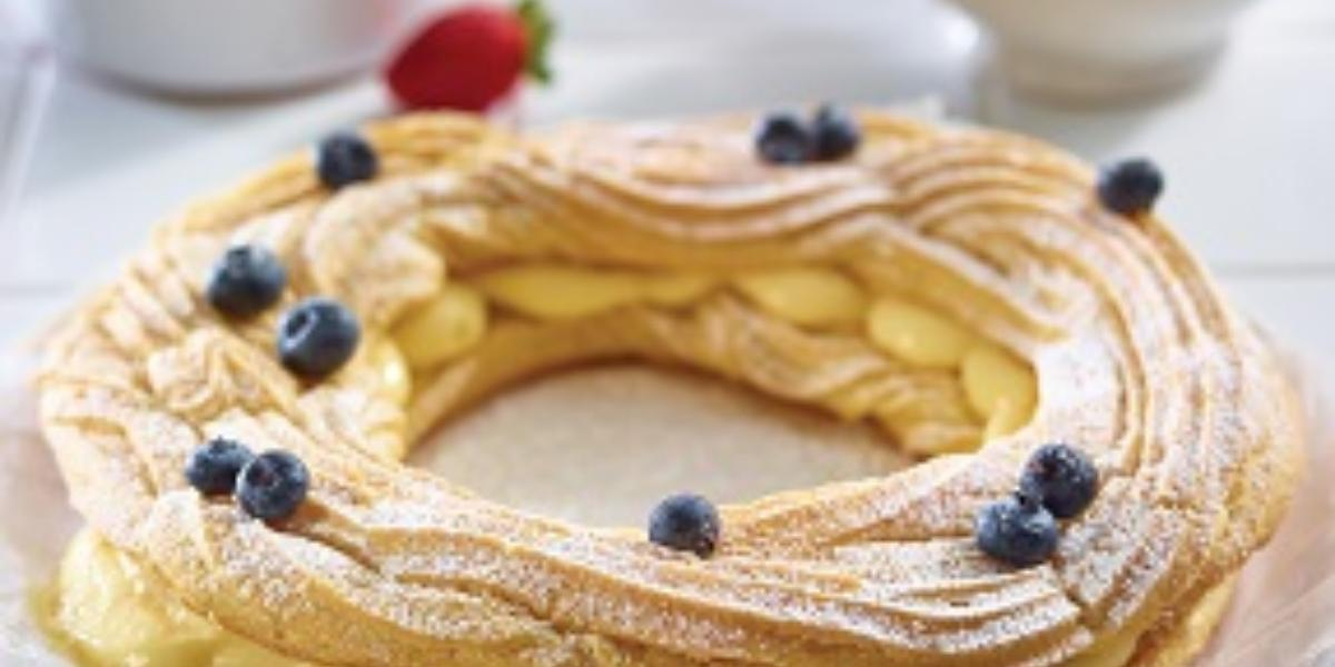 rosca rellena de crema pastelera de almendras