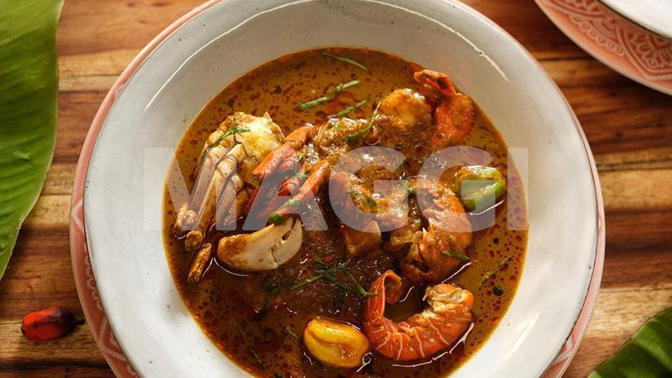 Seafood veggie banga soup
