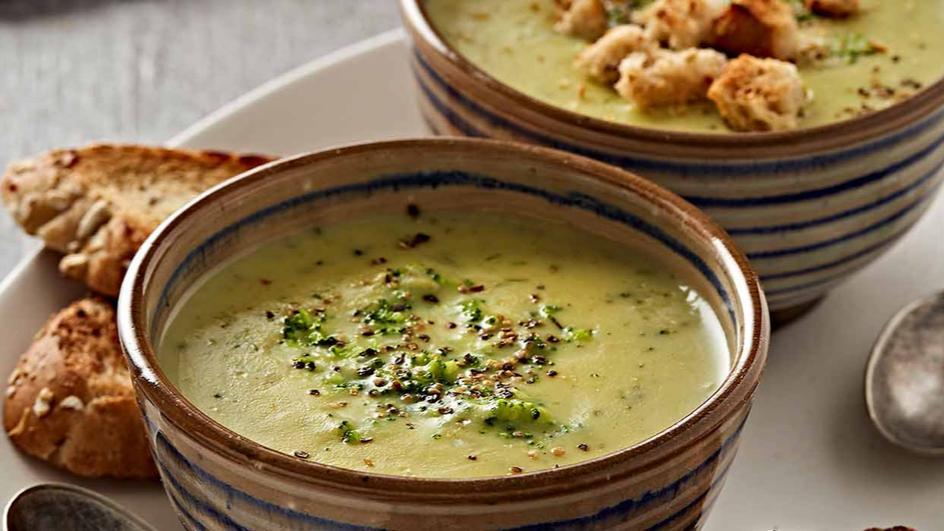 Roasted Garlic and Broccoli Soup