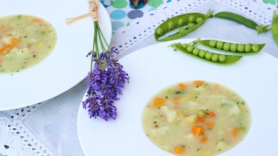 Aromatyczna zupa jarzynowa, czyli pochwała lata