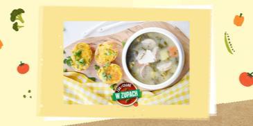 Zupa szczawiowa na wywarze z wędzonki ze smażonymi jajkami faszerowanymi zieleninką