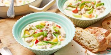 Hackfleisch-Käsesuppe mit Gemüse