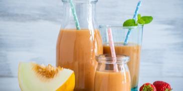 Fruchtiger Buttermilch-Smoothie