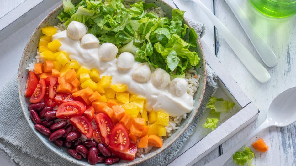 Regenbogen Bowl mit Reis