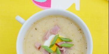 Wielkanocna zupa chrzanowa na wędzonych żeberkach
